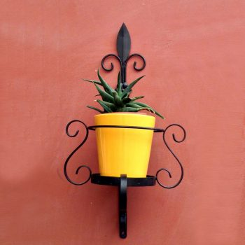 Veneto-wall-planter-with-Yellow-ceramic-pot
